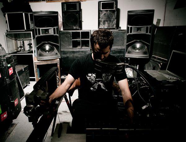 Physical Midi Monster Steampunk Bass Maschine