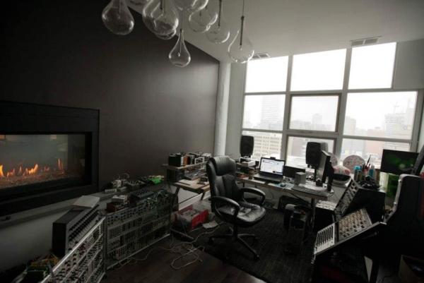 Deadmau5, flat, studio, appartment, villa, suite